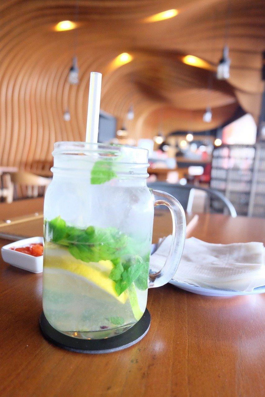 Erfrischendes Ingwerwasser - die zuckerfreie und gesunde Alternative zu Limonade